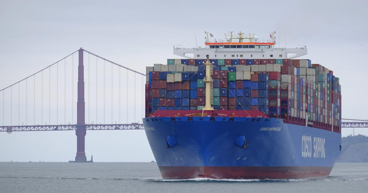 The global shipping industry faces a carbon tax - Quartz
