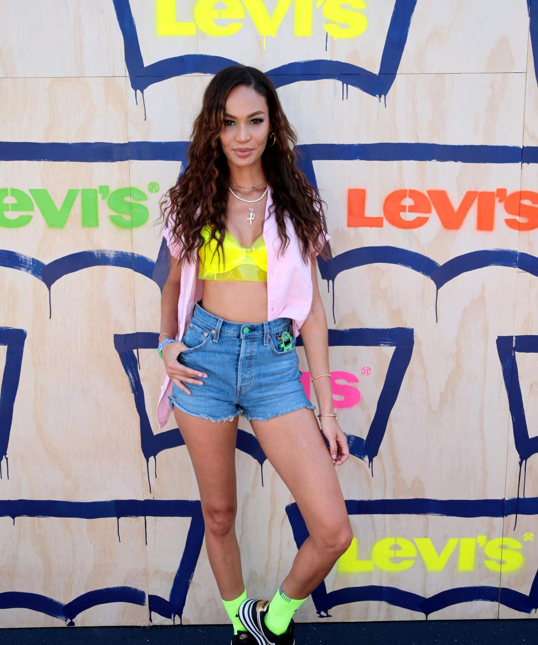 Levi's women's sales rise on high-rise jeans and cutoff shorts