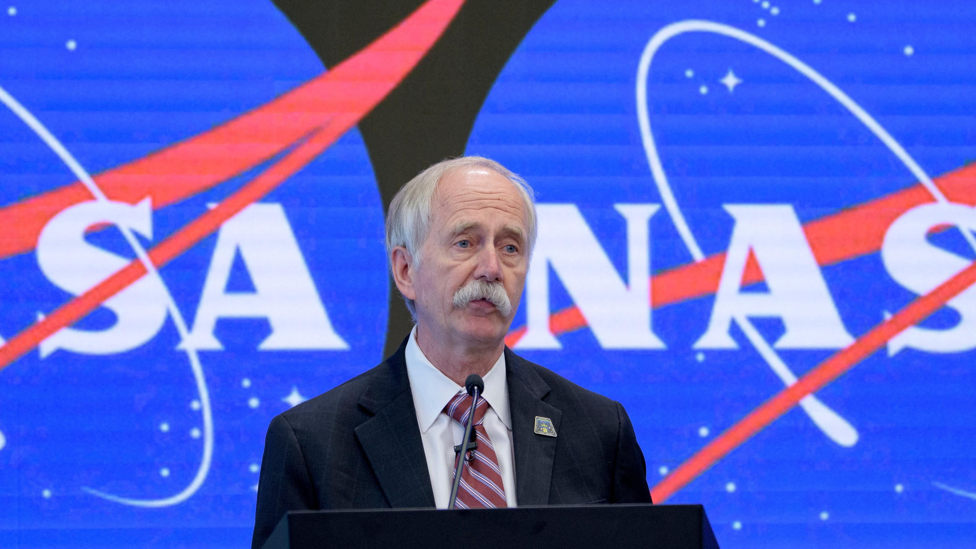 NASA shake-up leaves space program in confusion