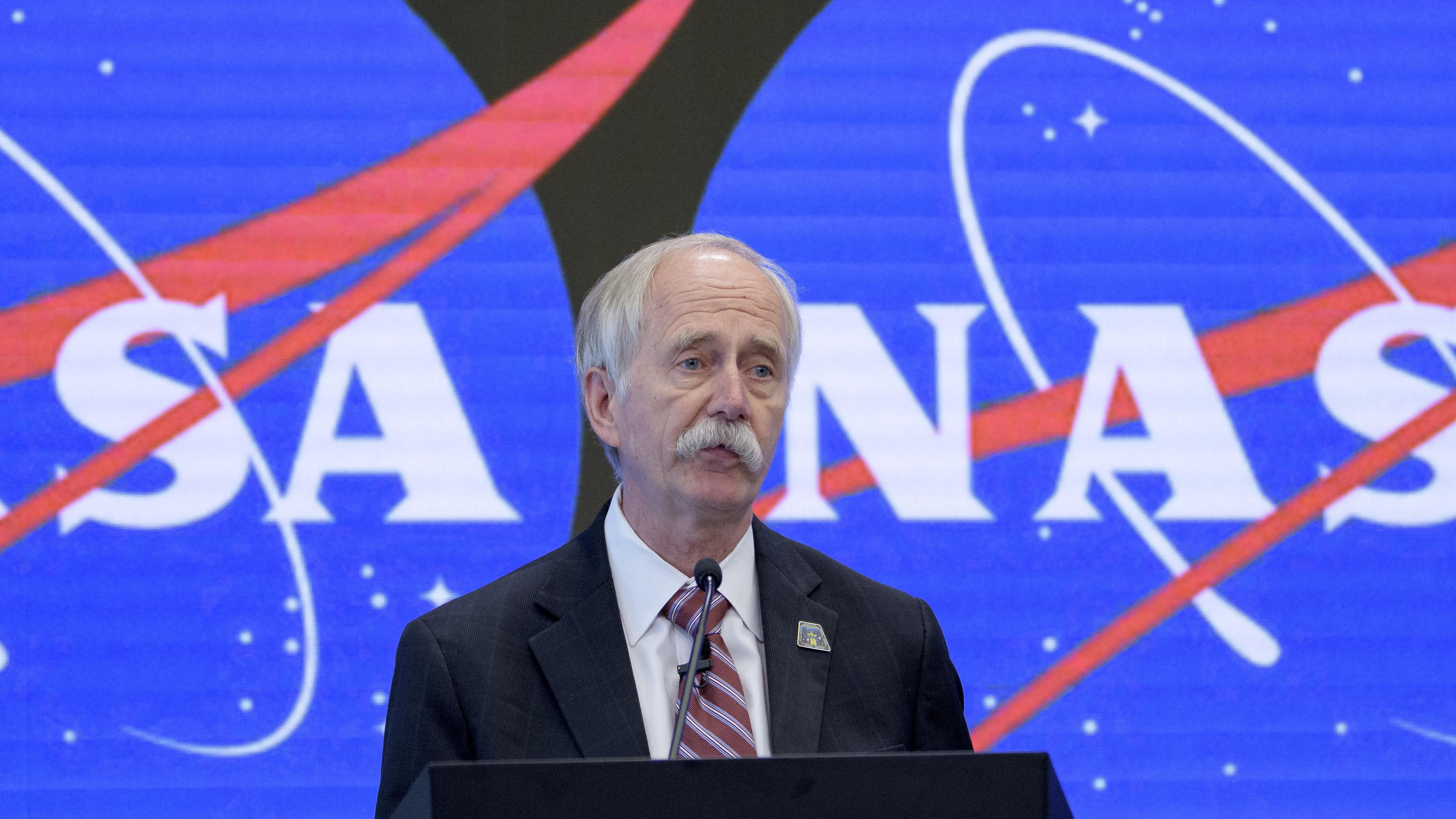 NASA associate administrator Bill Gerstenmaier talks to reporters in June 2019.