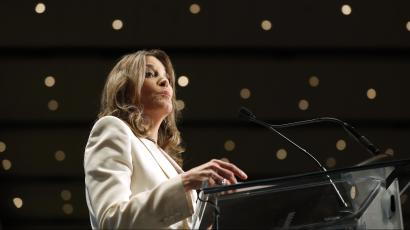 Who wants Marianne Williamson in the White House? — Quartzy