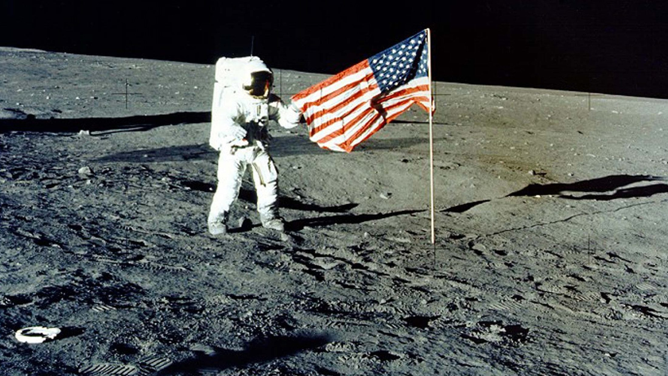 moon-landing-conspiracy-theories