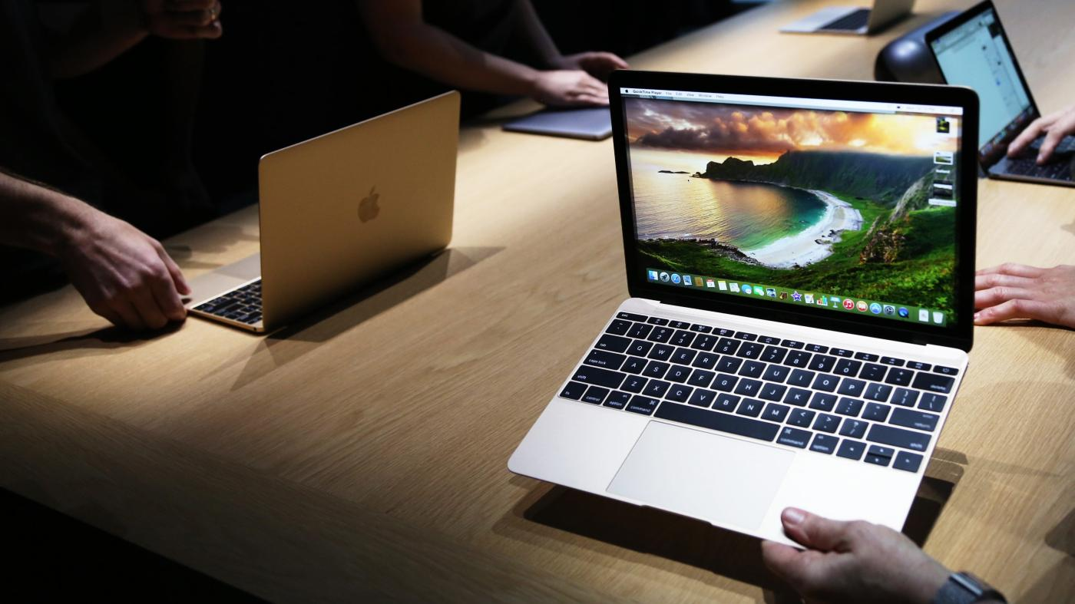 The best Apple laptop to get in summer 2022  Quartz