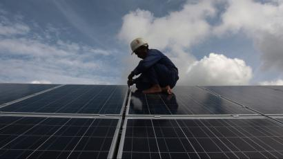 Solar and wind energy job creation slowed down in India in