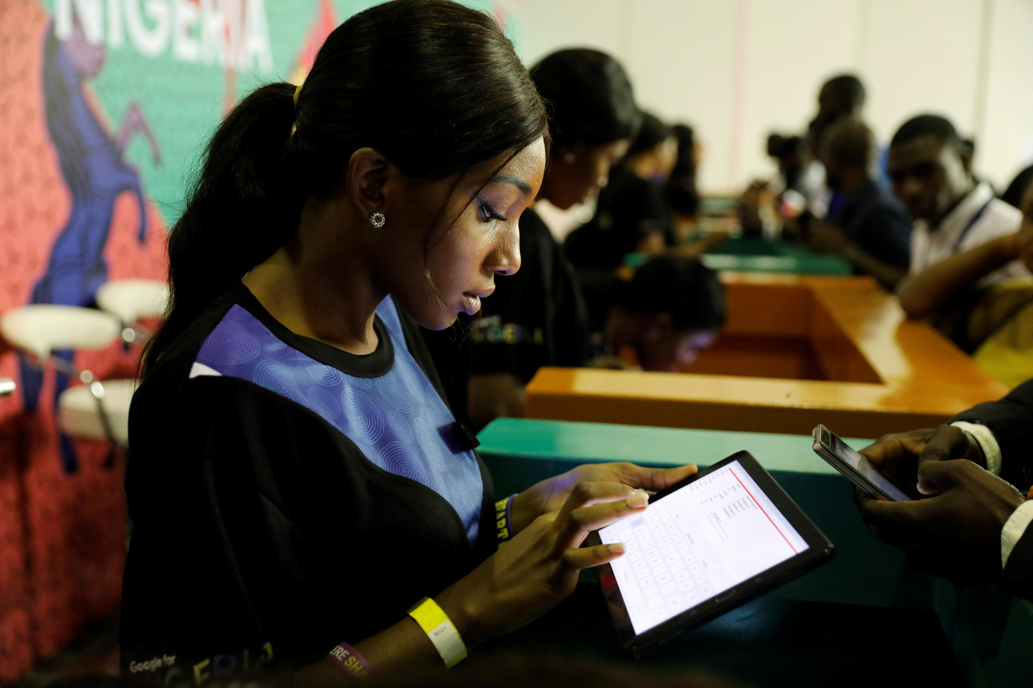 Google, Facebook building undersea internet cable for Africa