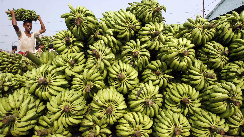 Zomato, Reliance, Amazon dig Rahul Bose's JW Marriott bananas