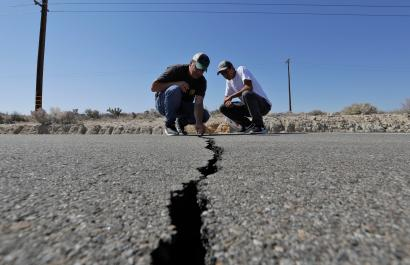 A highway crack in Ridgecrest, California after the July 5 earthquake.