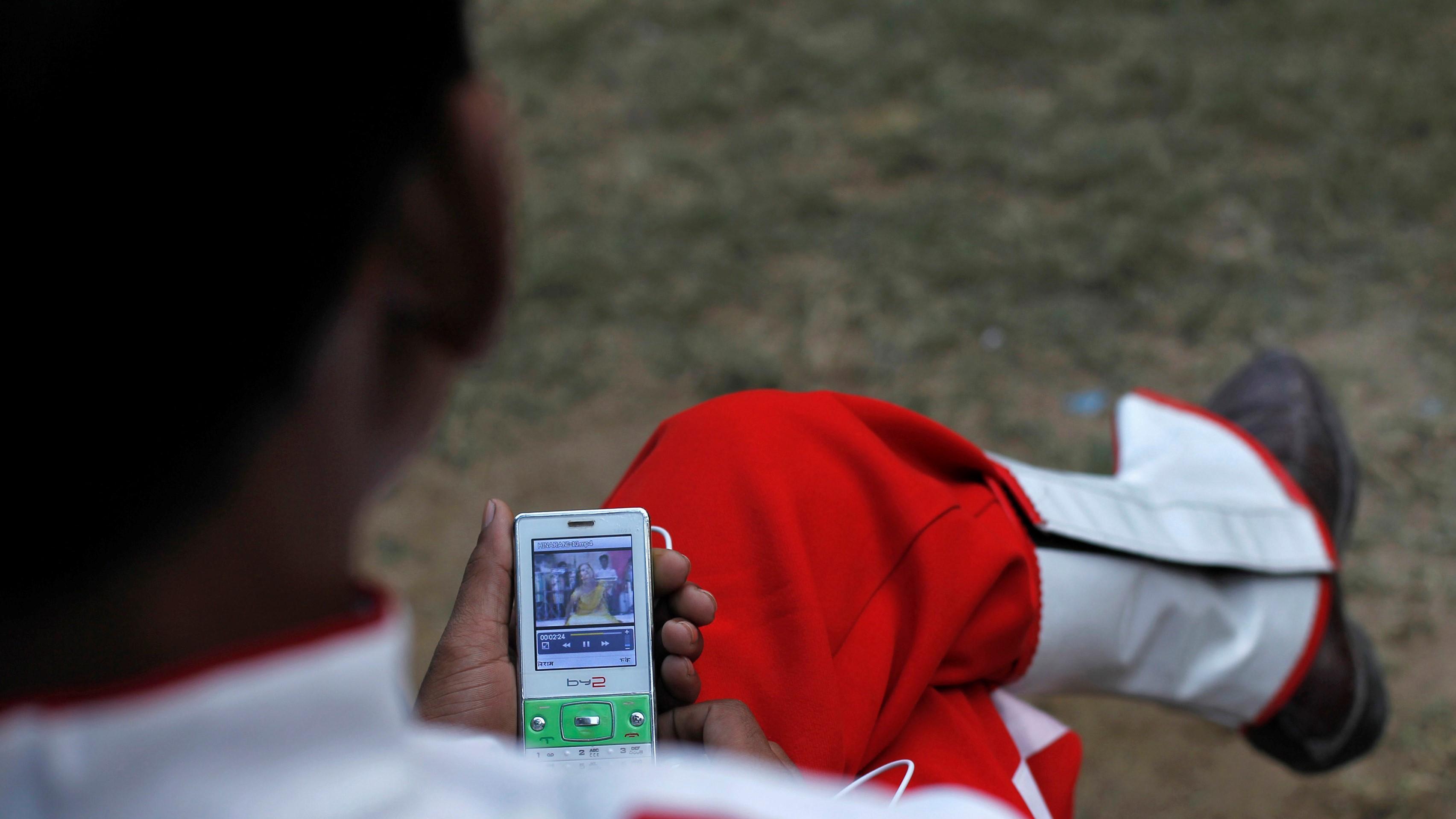 Cheap 4G data plans, smartphones fuelling India's data boom: Trai