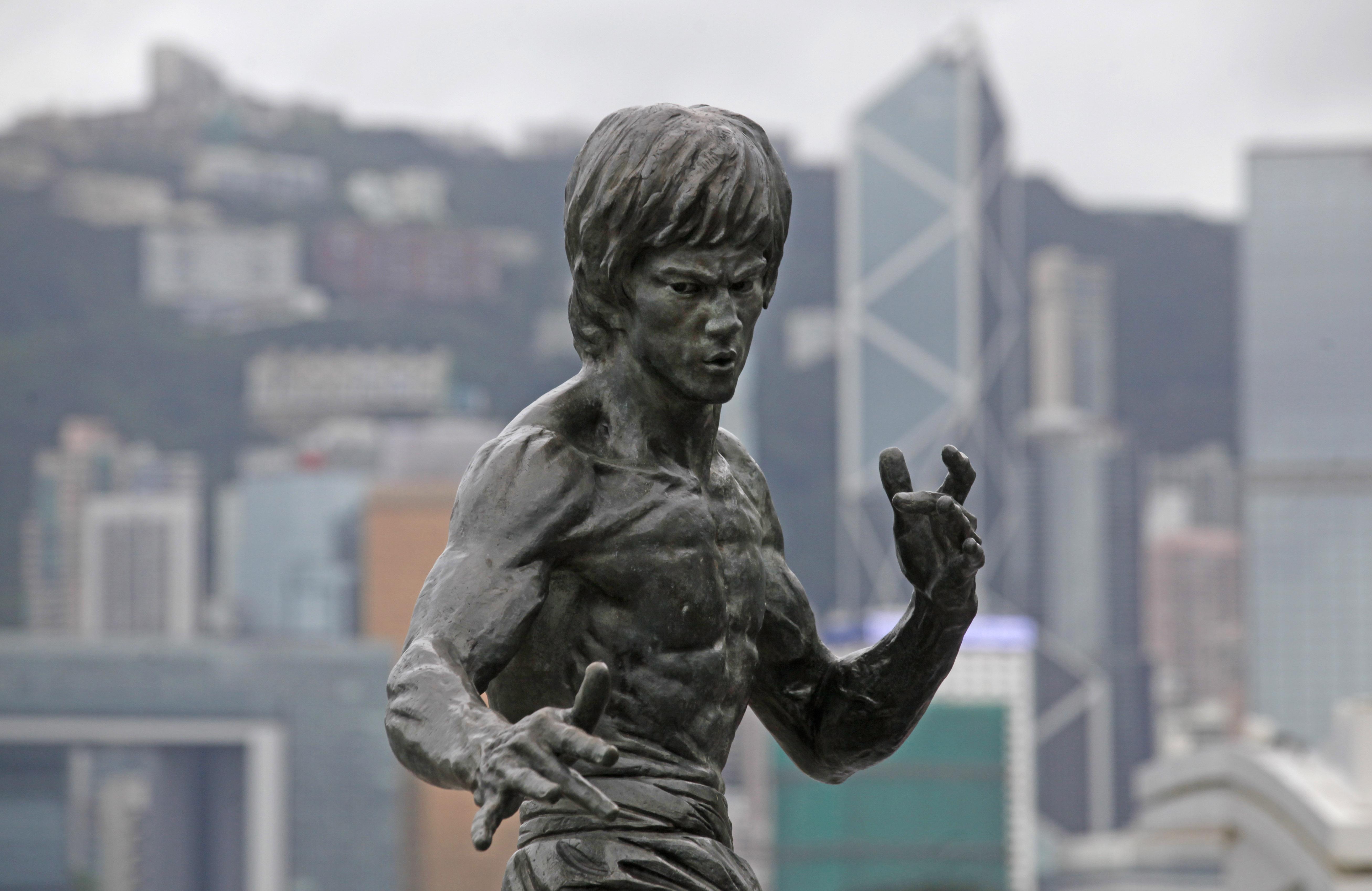 Bruce Lee — Quartz Obsession