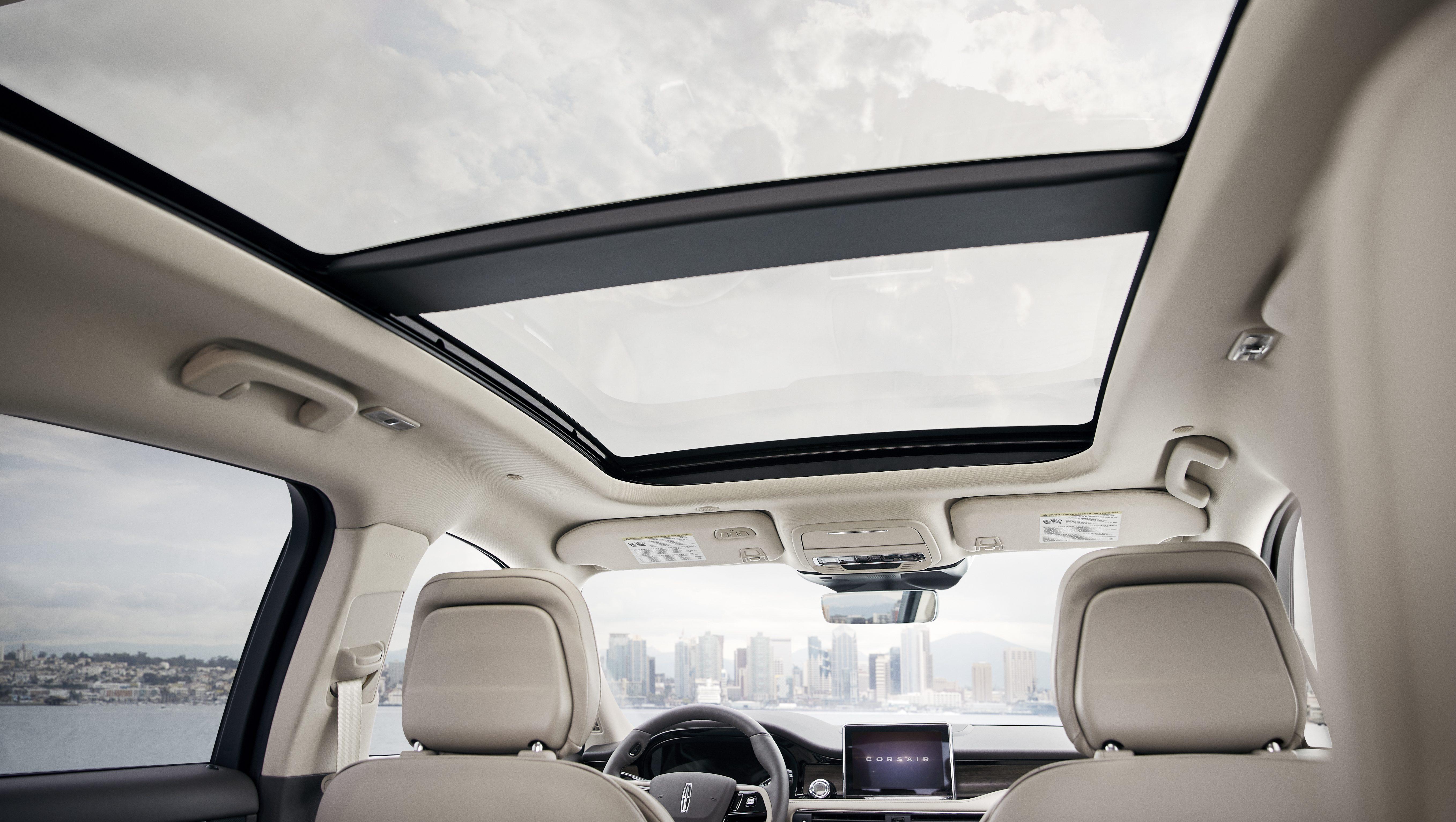 2020 Lincoln Corsair windows.