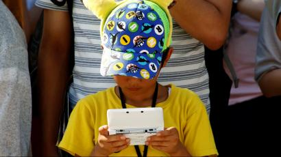 Experts disagree on the effects of technology on children