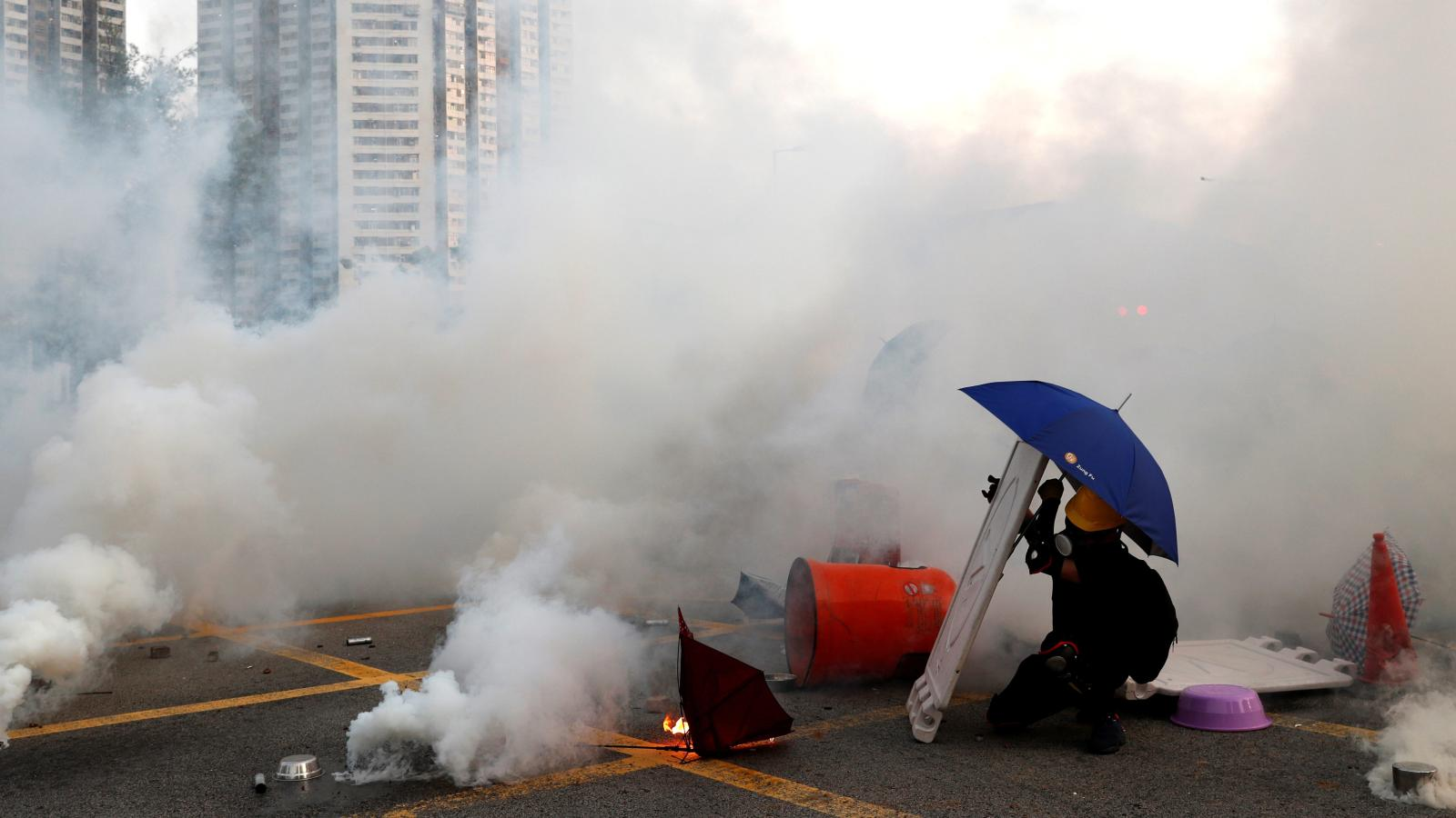 Police have fired a record amount of tear gas in Hong Kong — Quartz