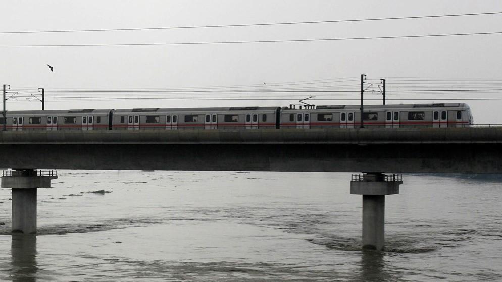 India's Kolkata Metro set to ride underneath Hooghly river — Quartz