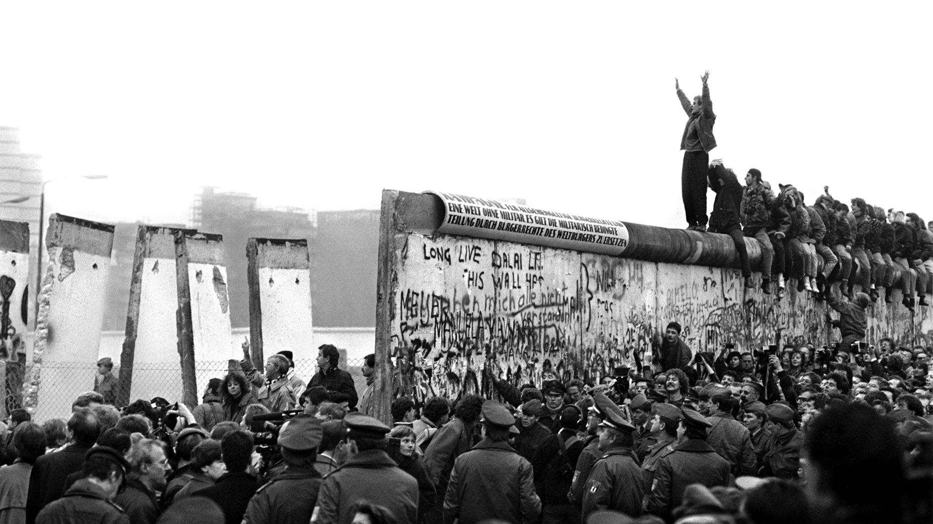 Fall of Berlin Wall, 1989