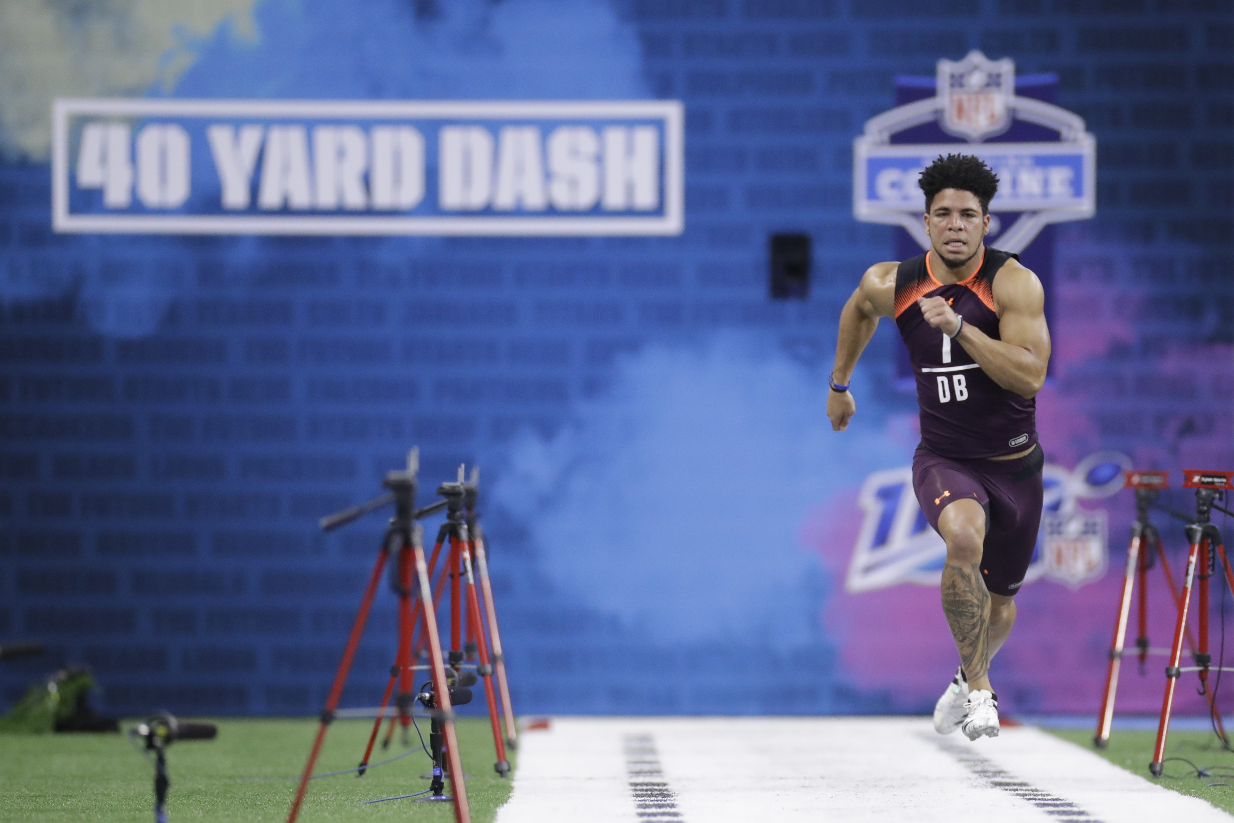 Jordan Brown running the 40 at the NFL combine.