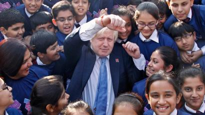 Mayor Boris Johnson poses with Indian students