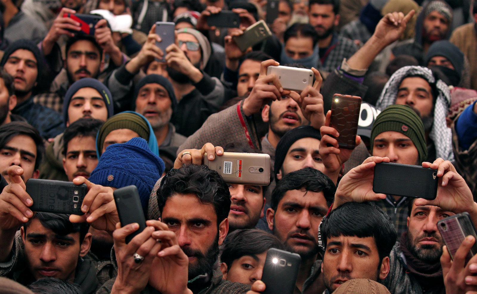 How Kashmiris are adapting to everyday life without internet