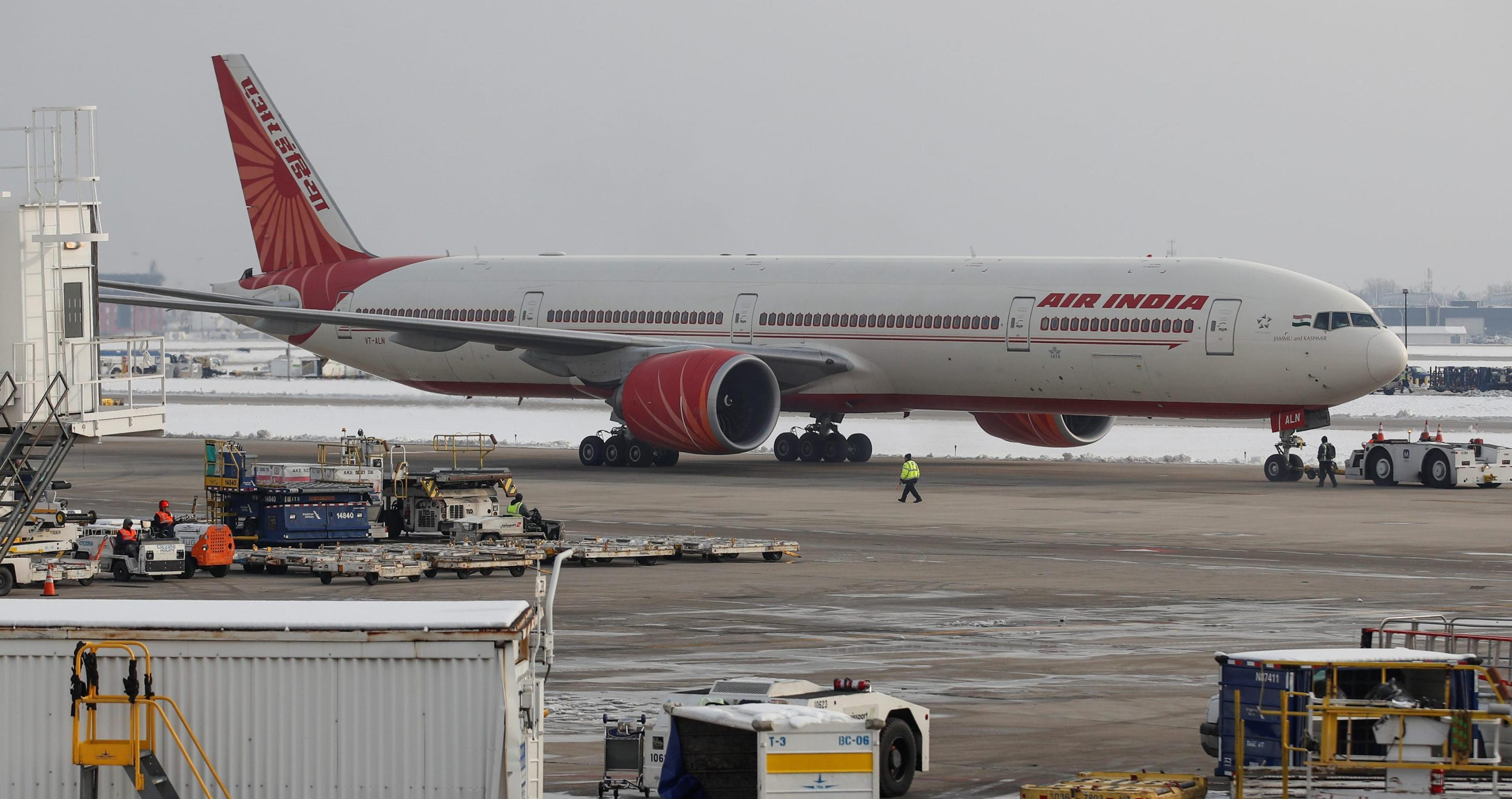 Air India divestment may run into trouble post pilot resignations