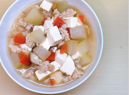 """Winter Melon soup with Omnipork """"mince pork"""""""