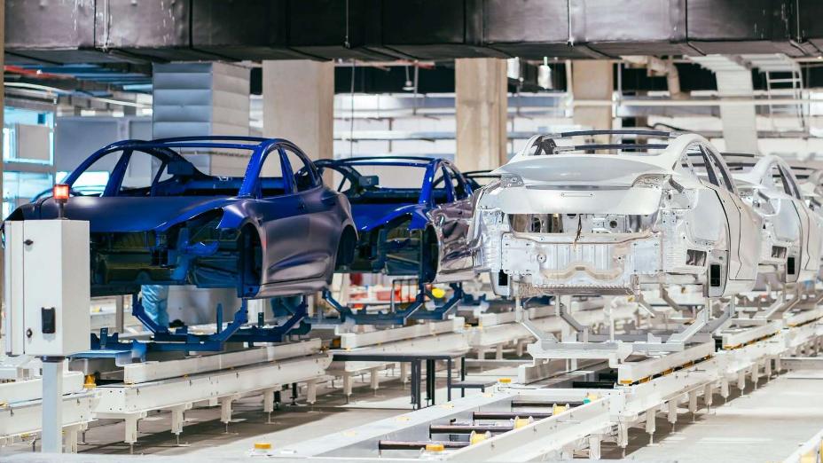 Tesla's Shanghai Gigafactory is now producing 3,000 cars per week.