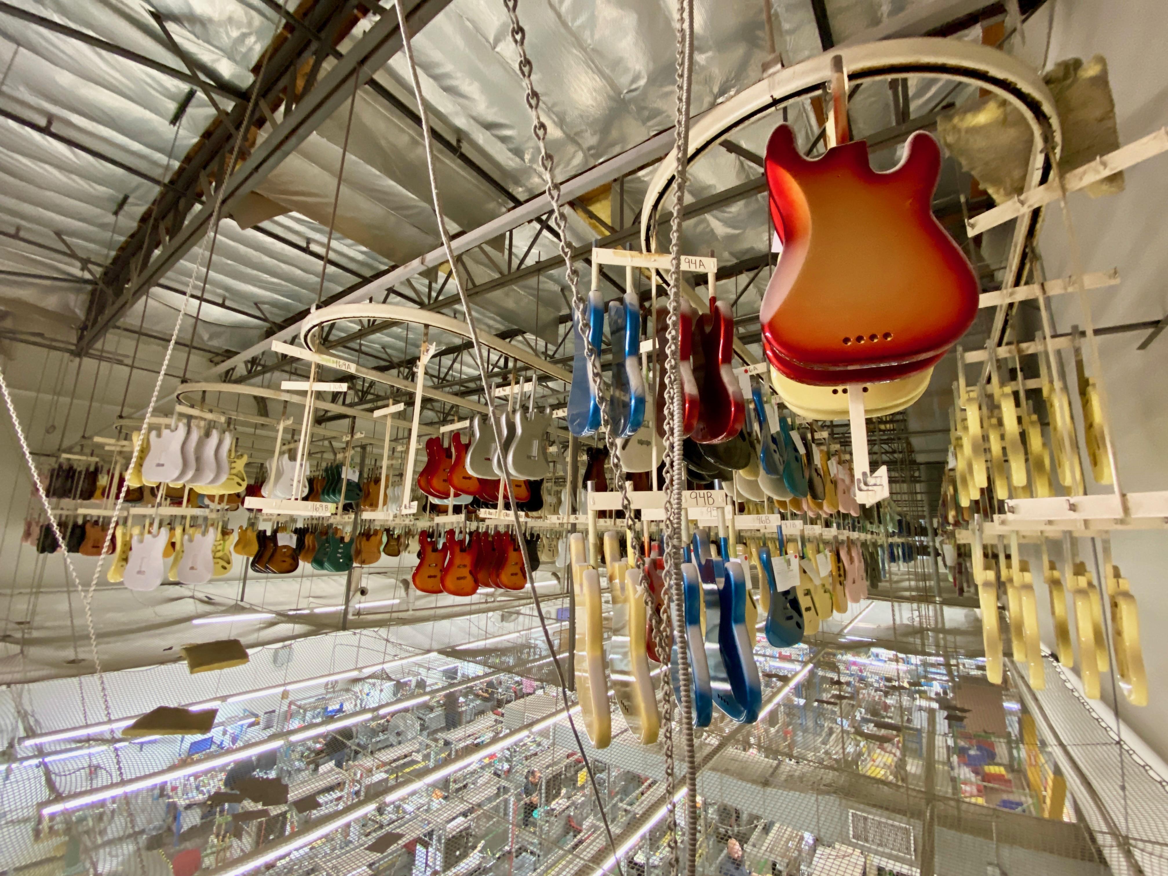 Corpos de guitarra armazenados na fábrica da Fender