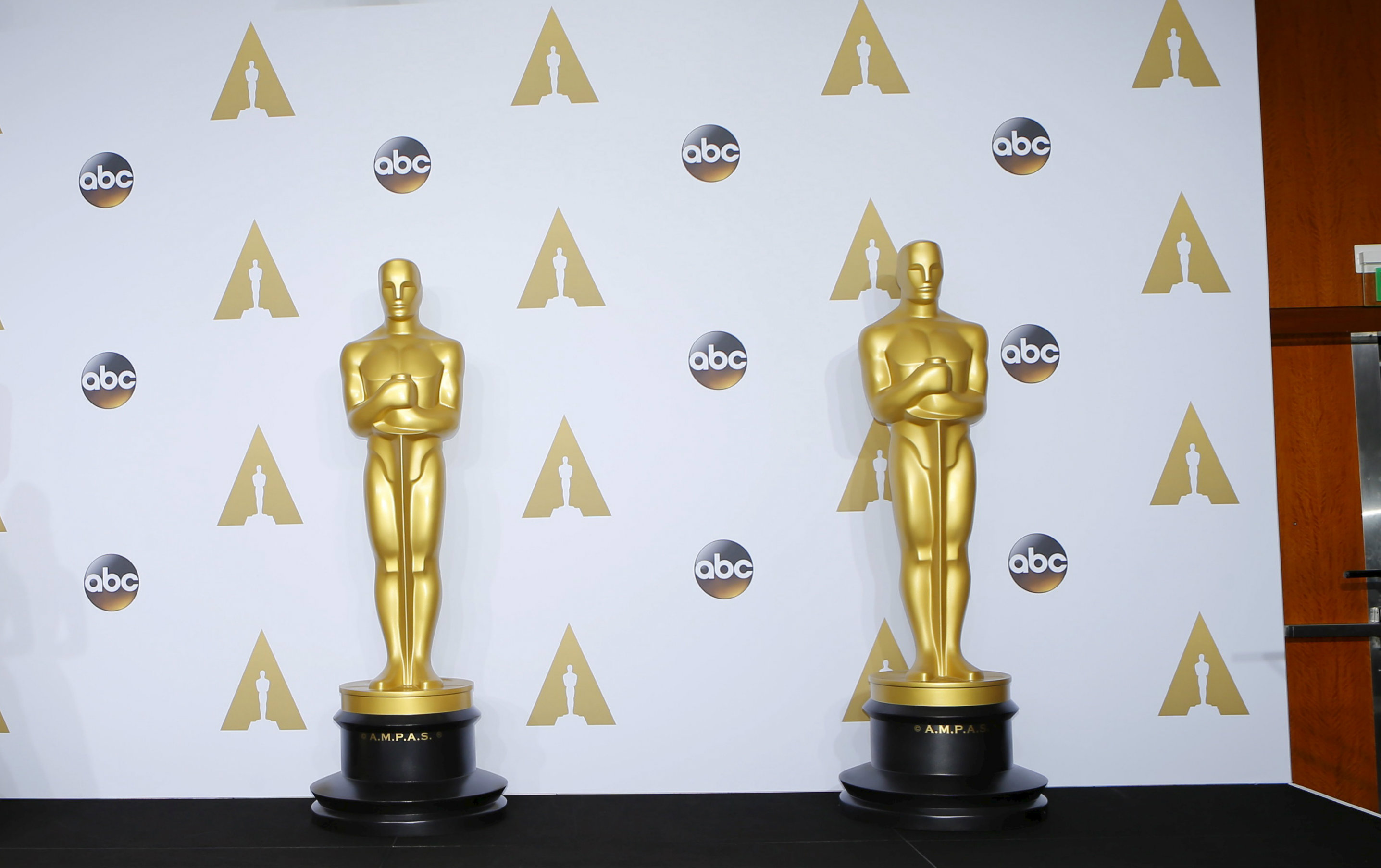 How should we feel about the Oscar winner who thanked his wife for giving up her career?
