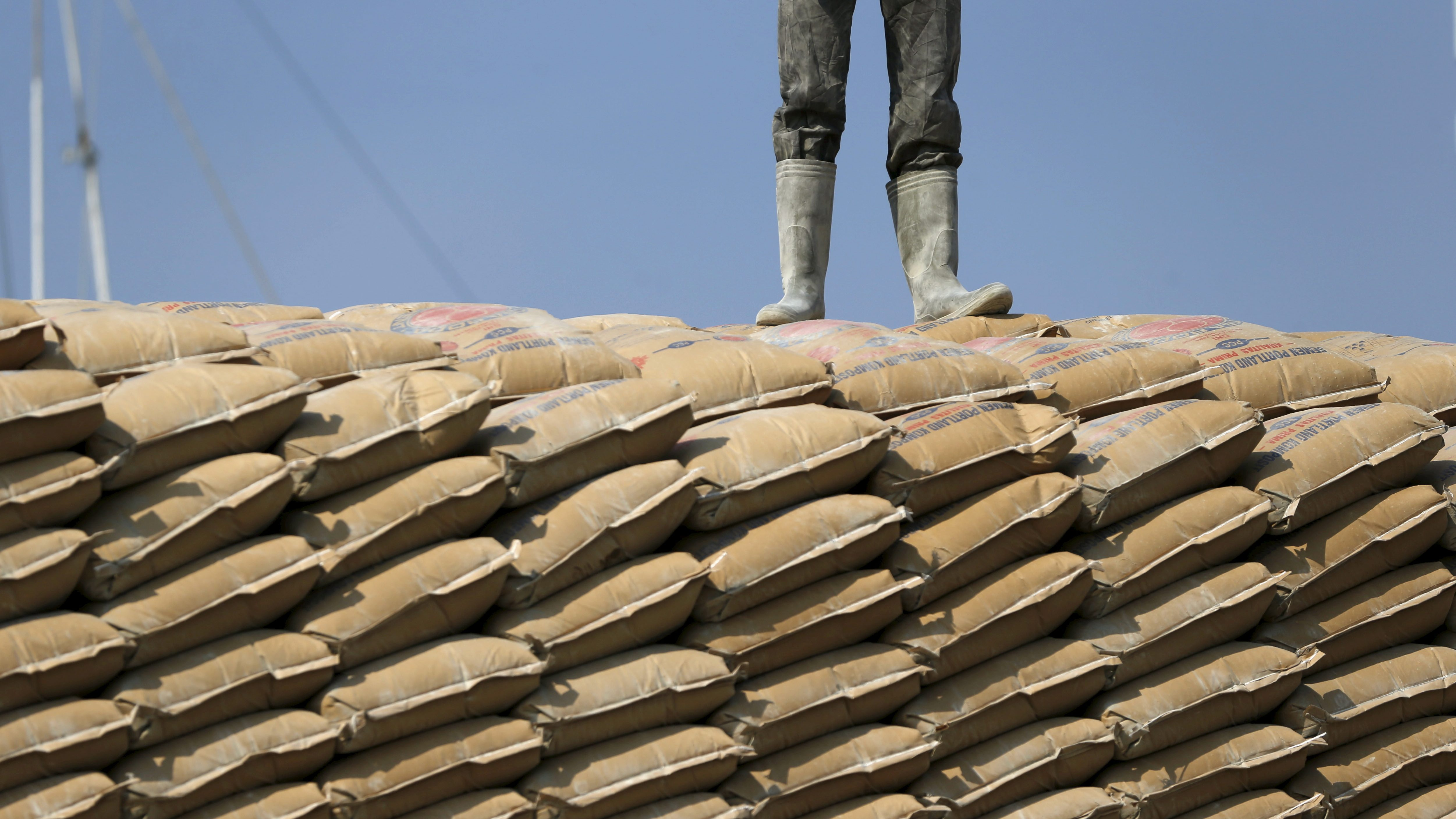 Reducing cement's carbon footprint is critical to climate fight - Quartz