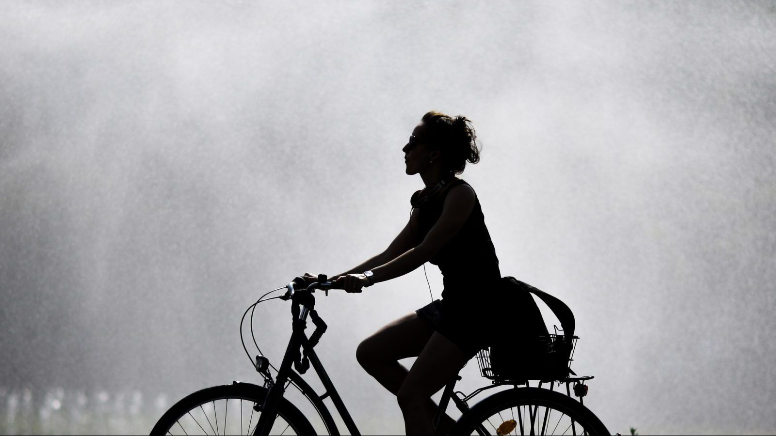 Women love bikes—so why don't they cycle to work?