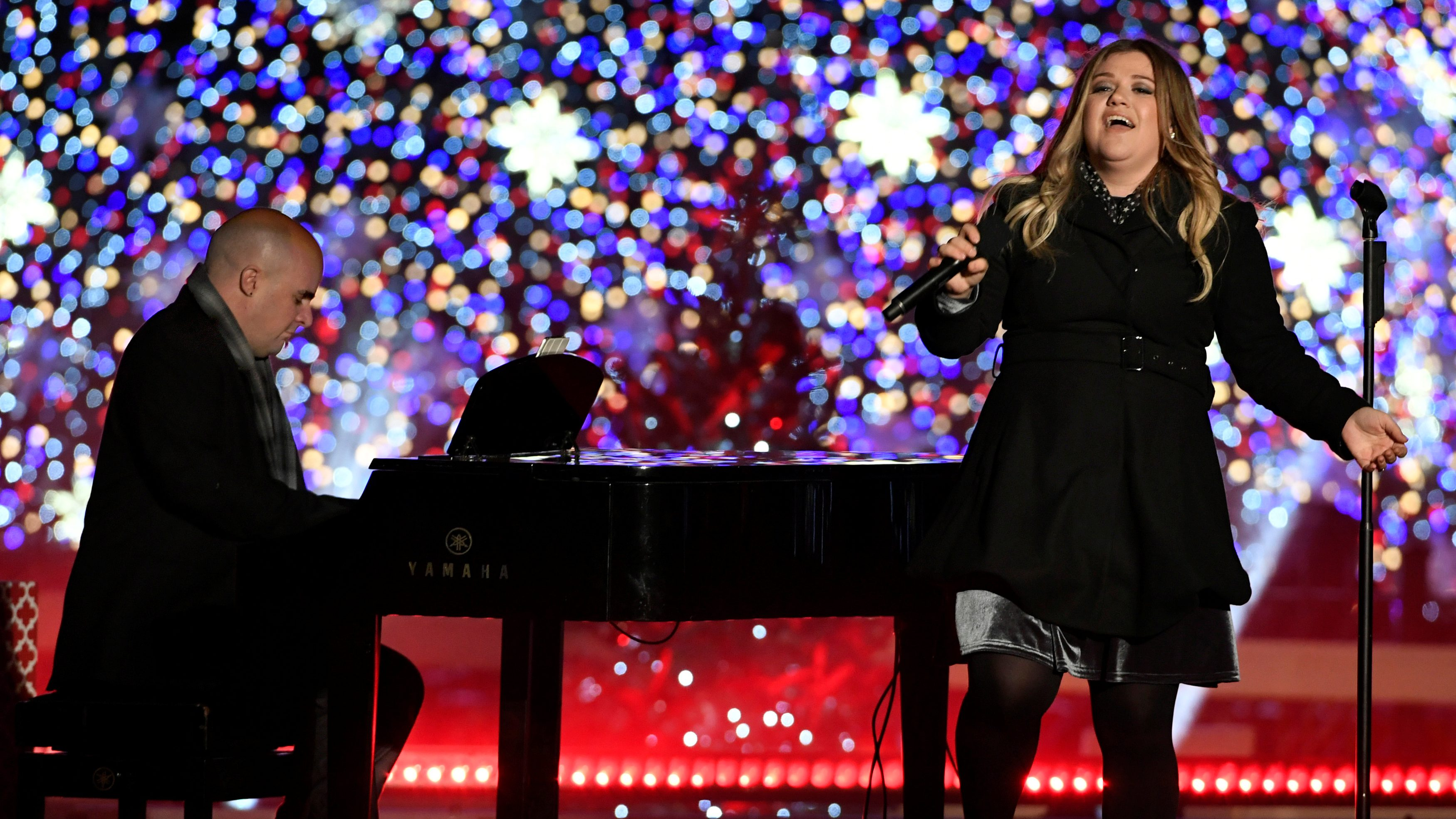 """Data suggests Kelly Clarkson's """"Underneath the Tree"""" might be the next """"All I Want for Christmas ..."""