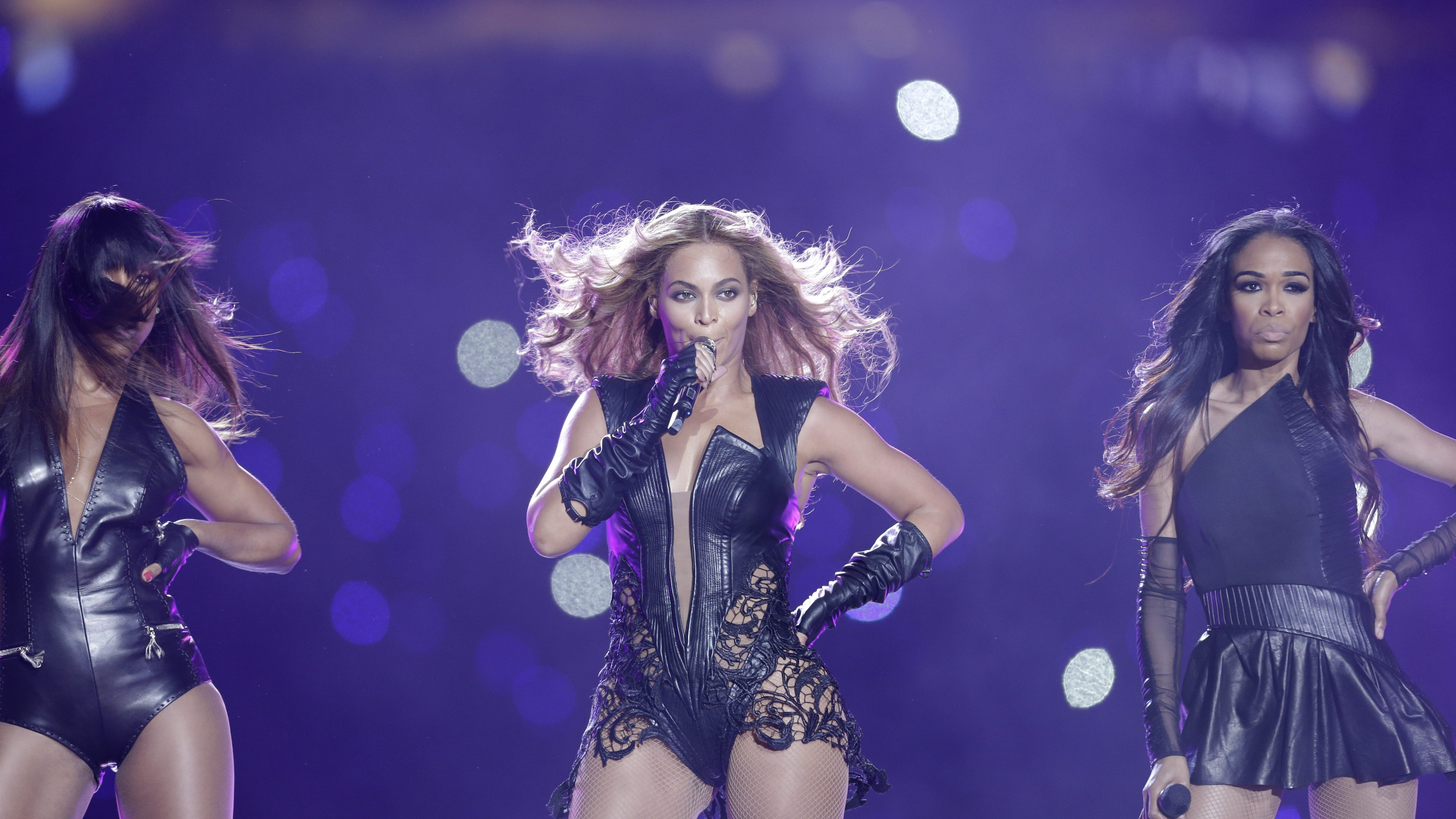 Halftime shows — Quartz Daily Obsession