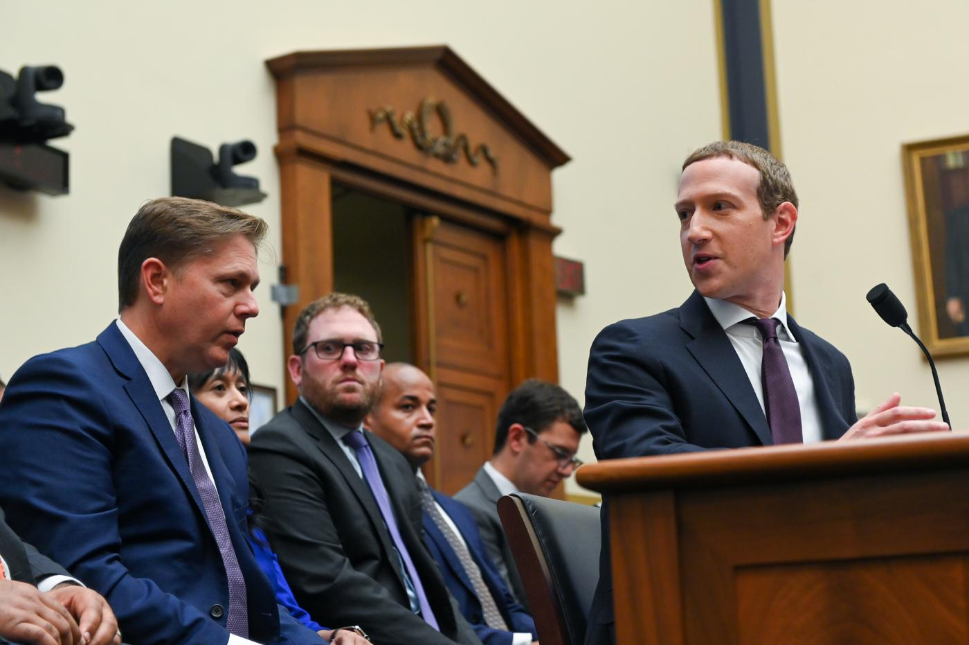 Facebook makes a decision: microtargeted, false political ads are fine