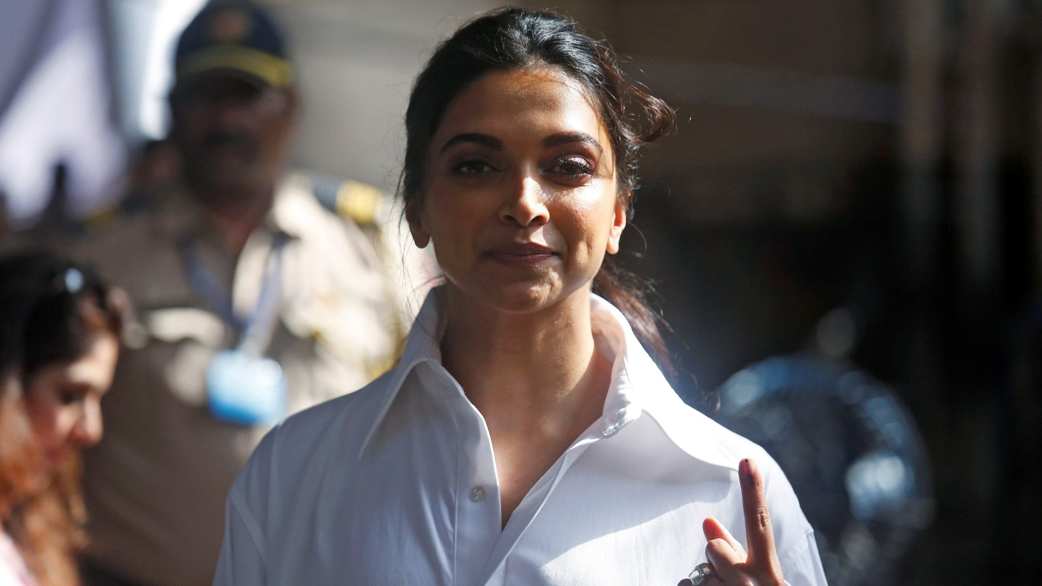 Deepika Padukone-JNU-Protest