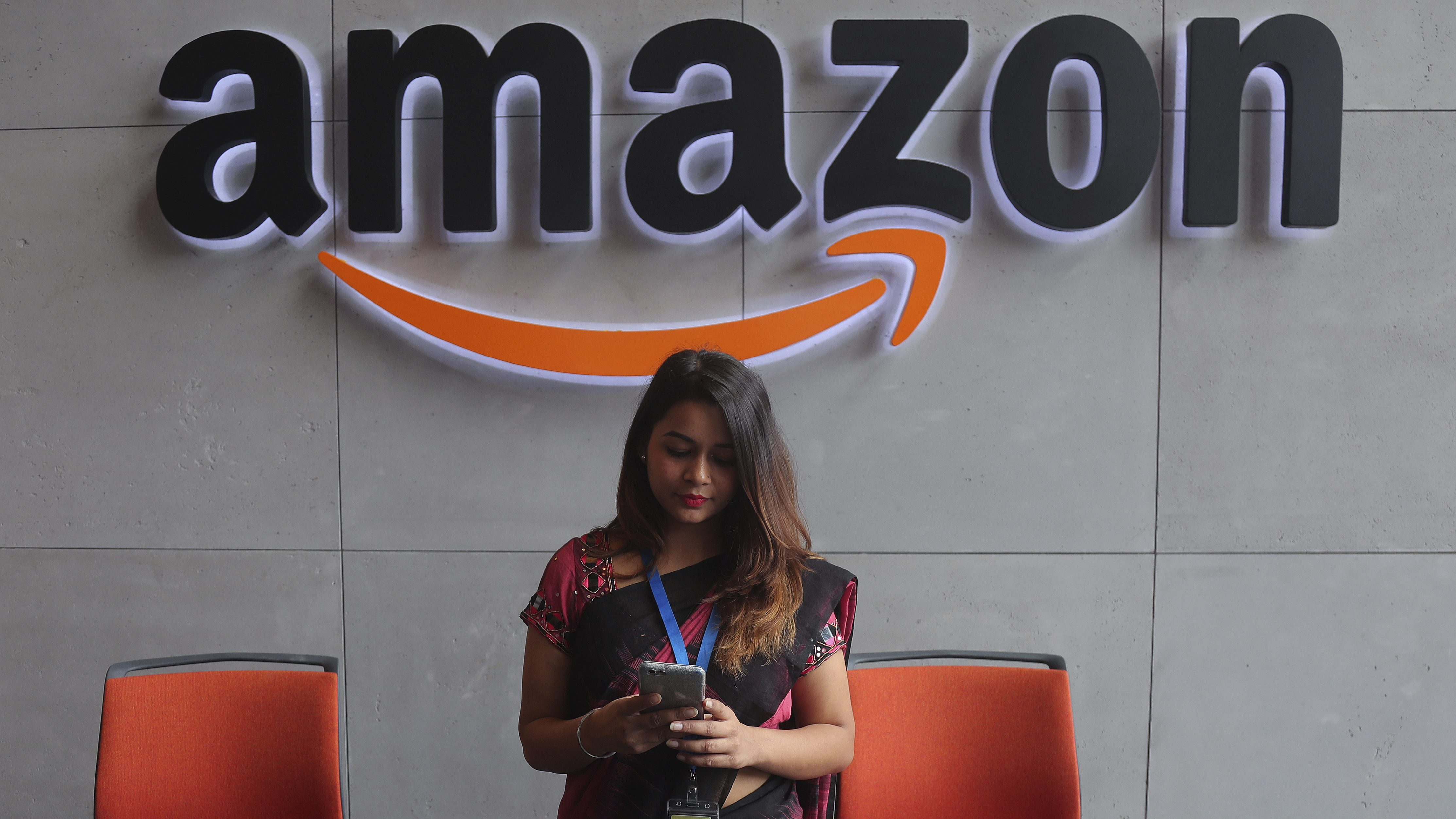 Amazon and Flipkart are India's top m-commerce apps, but it's Club Factory that catches the eye