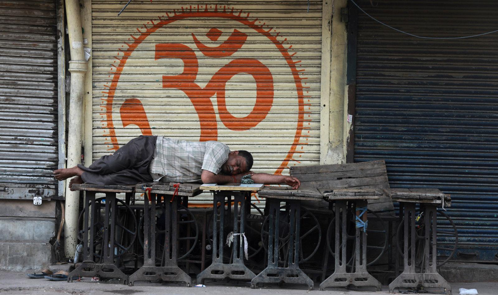 How will coronavirus impact India's economy as per Moody's, Fitch thumbnail