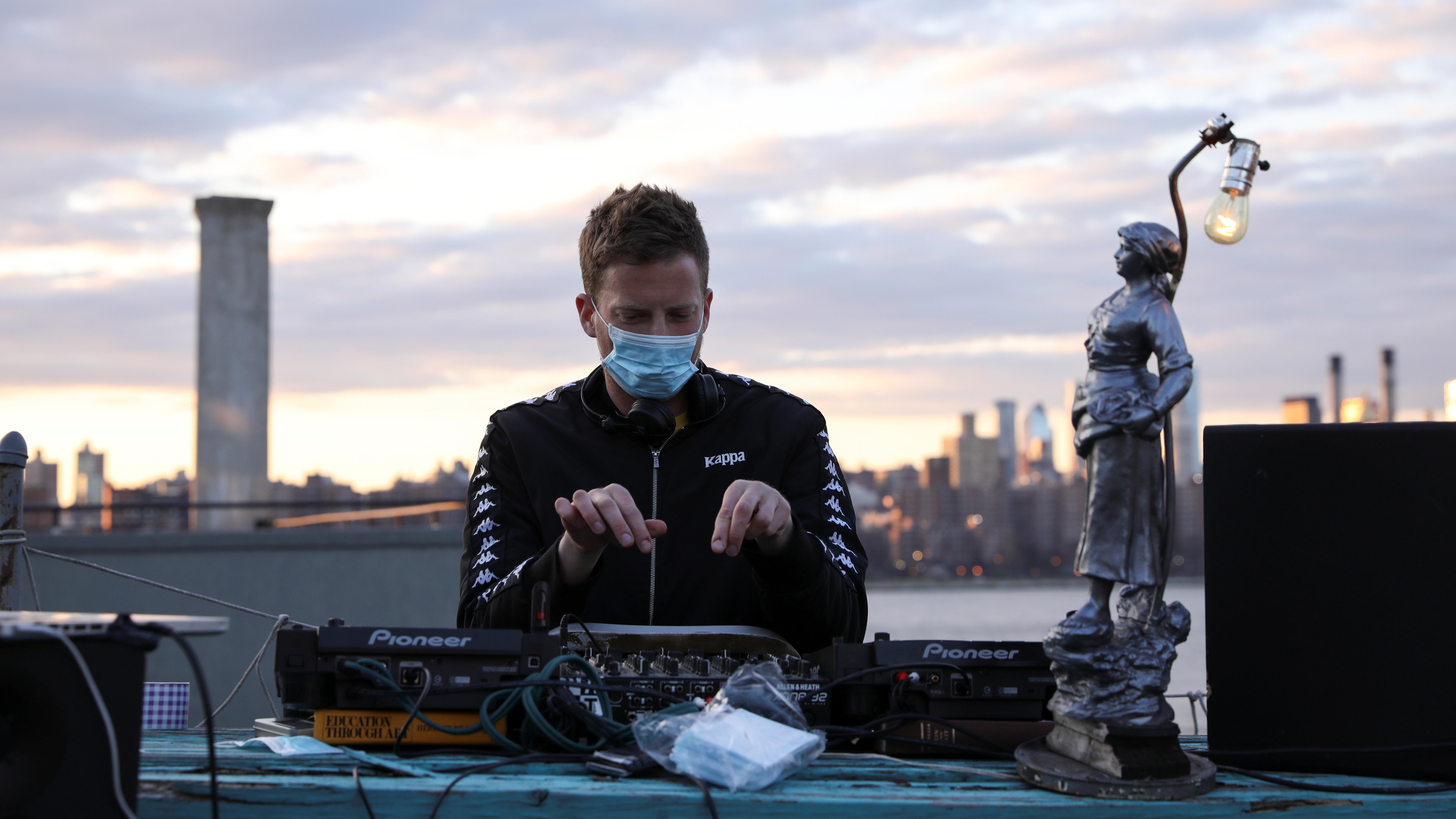 new york has more coronavirus cases than uk  south korea