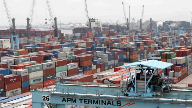 Corruption and congestion at Nigeria's biggest port are costing importers thousands of dollars