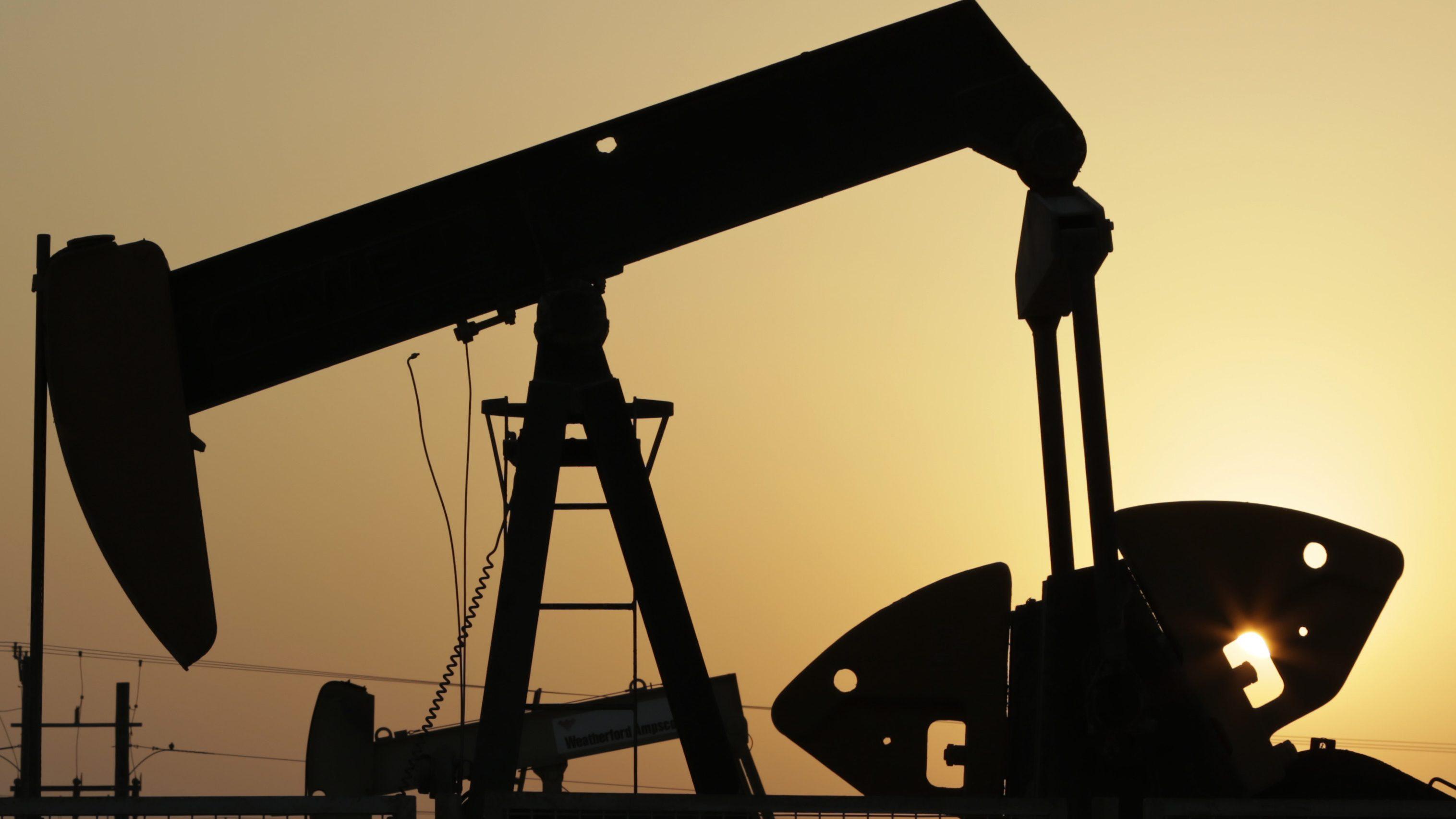 Oil-CAD-Economy
