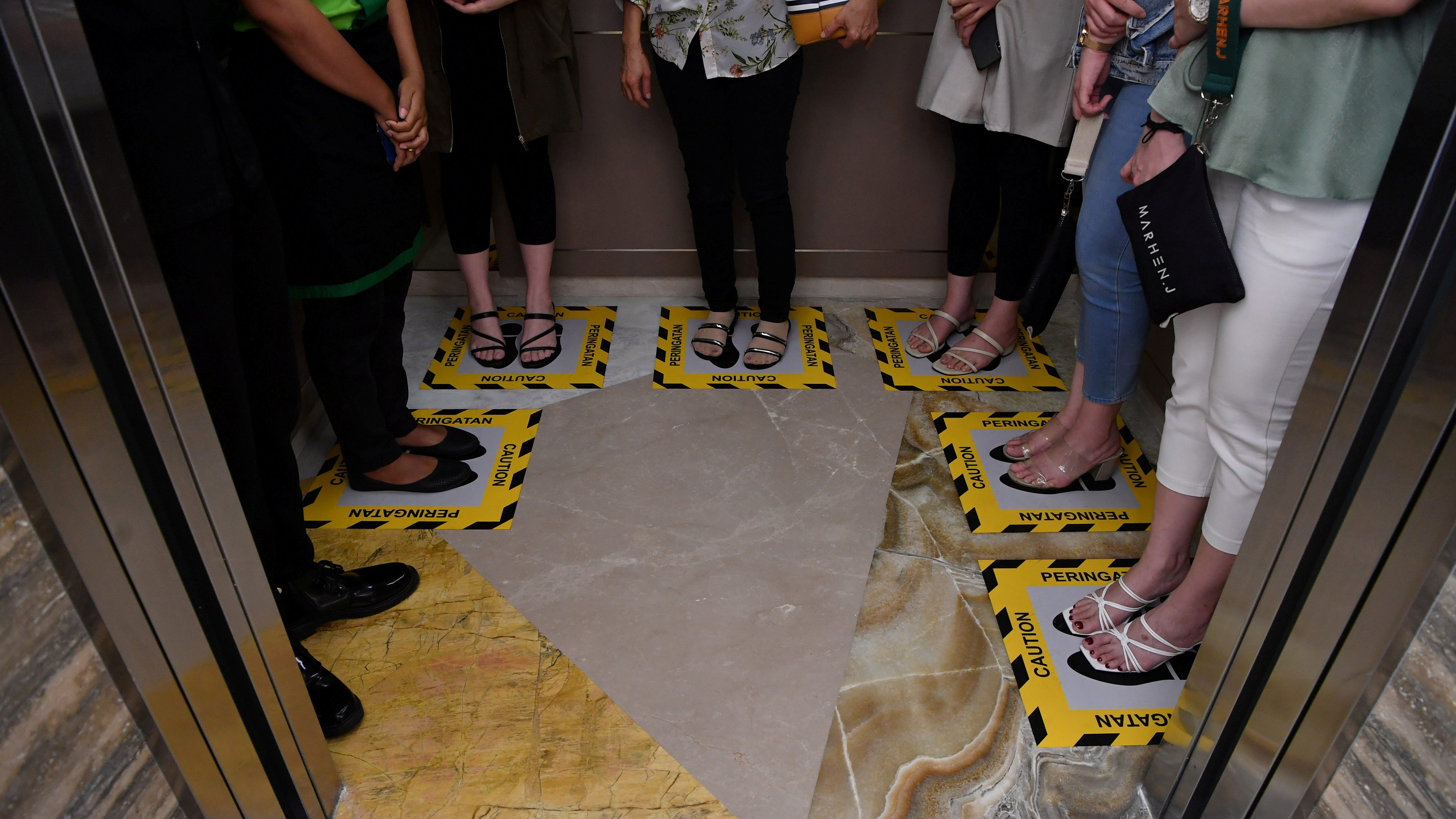 6 Educational Foot Floor Markers