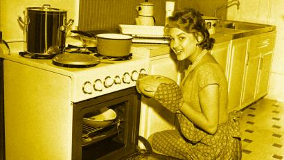 woman with oven baking