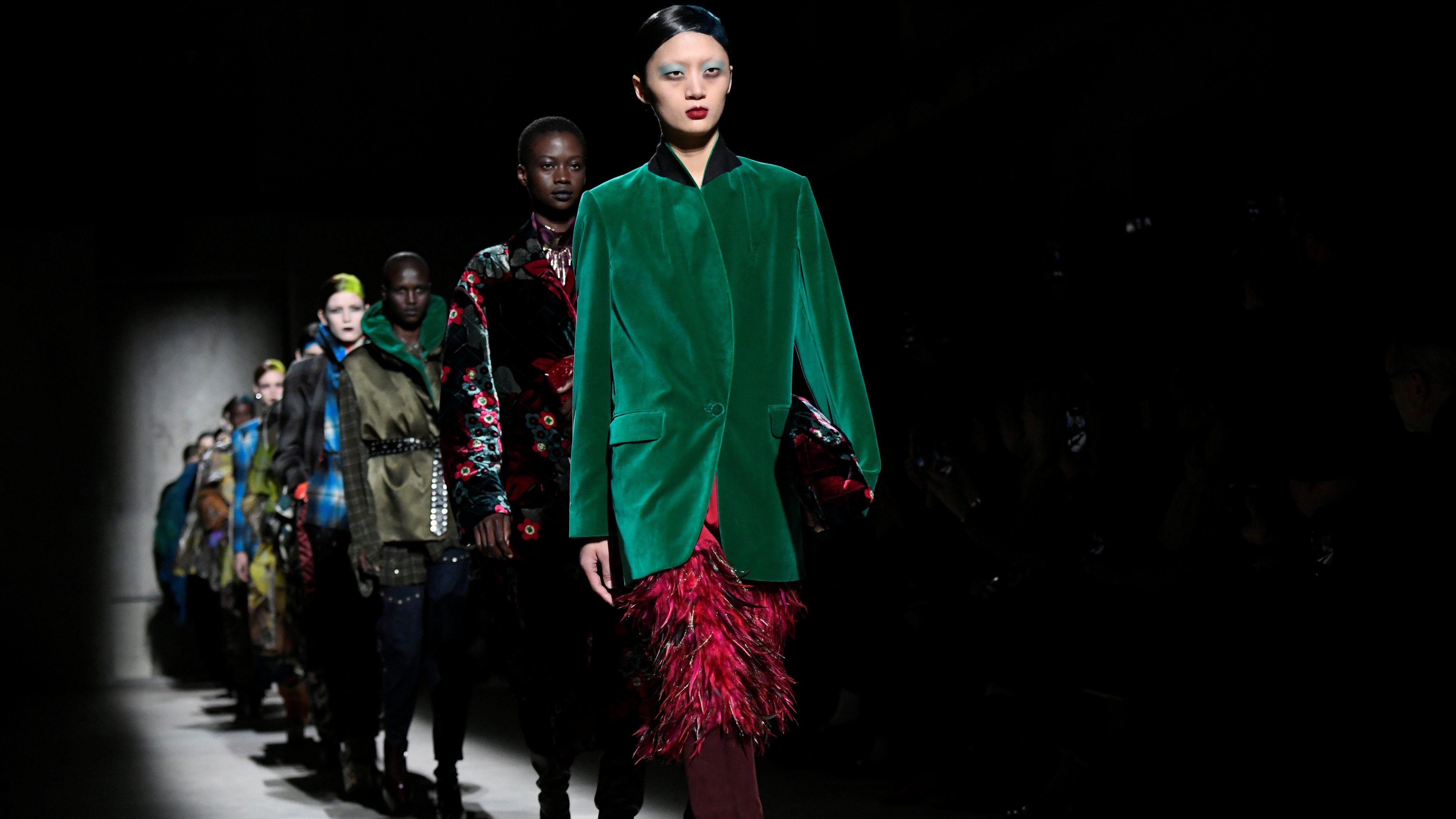 Covid 19 May Reset The Fashion Industry S Crazy Seasonal Calendar Quartz