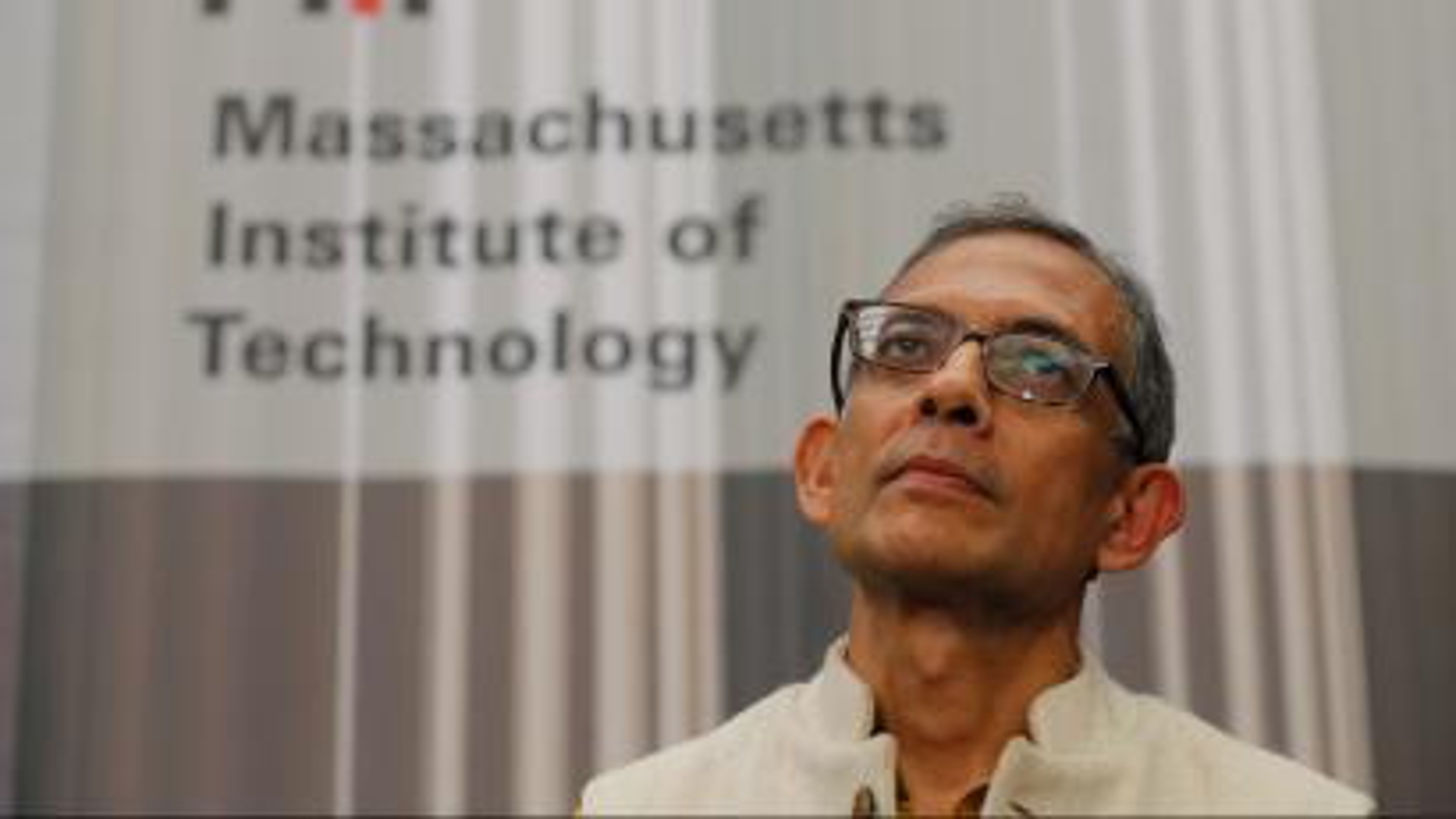 Abhijit Banerjee-Stimulus-Cash transfer