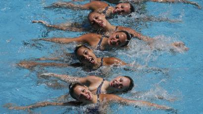 synchronized swimmers on the French olympic team