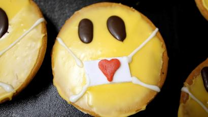 Cakes that look like emojis