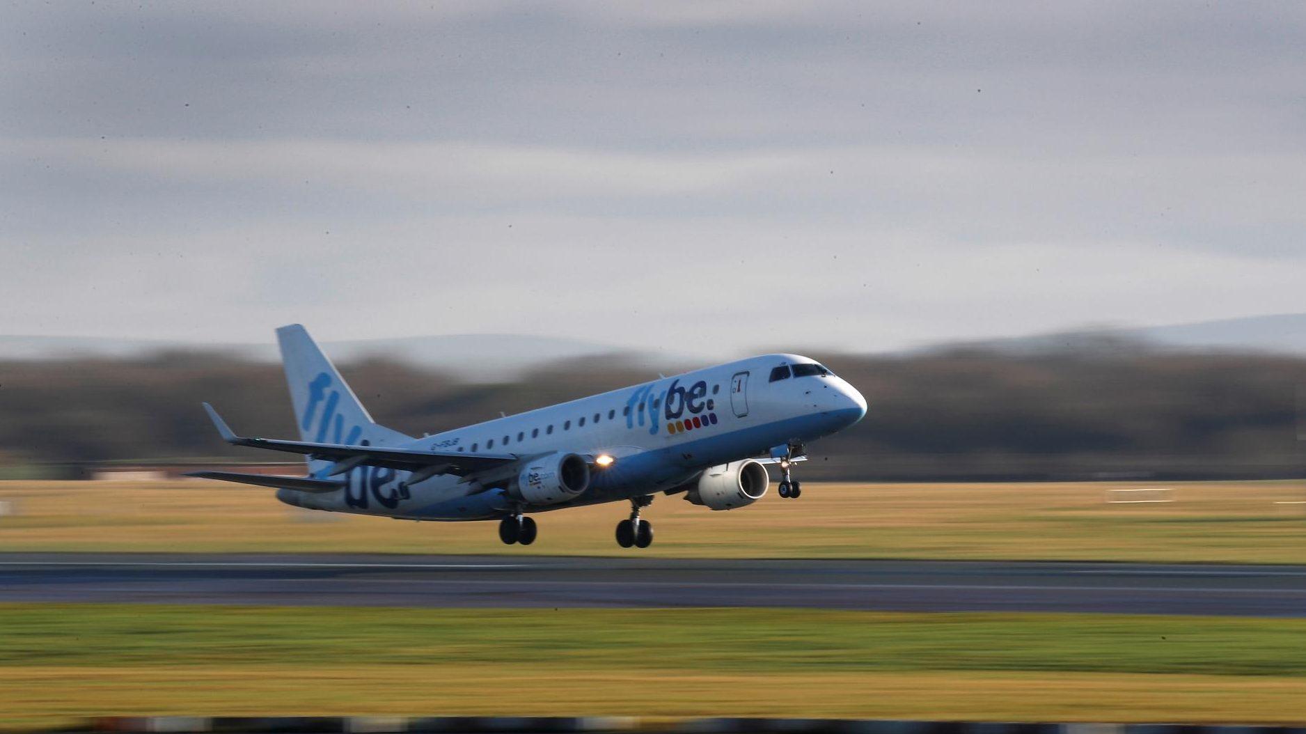 Covid 19 Vaccine Distribution Will Suffer As Air Travel Drops Quartz