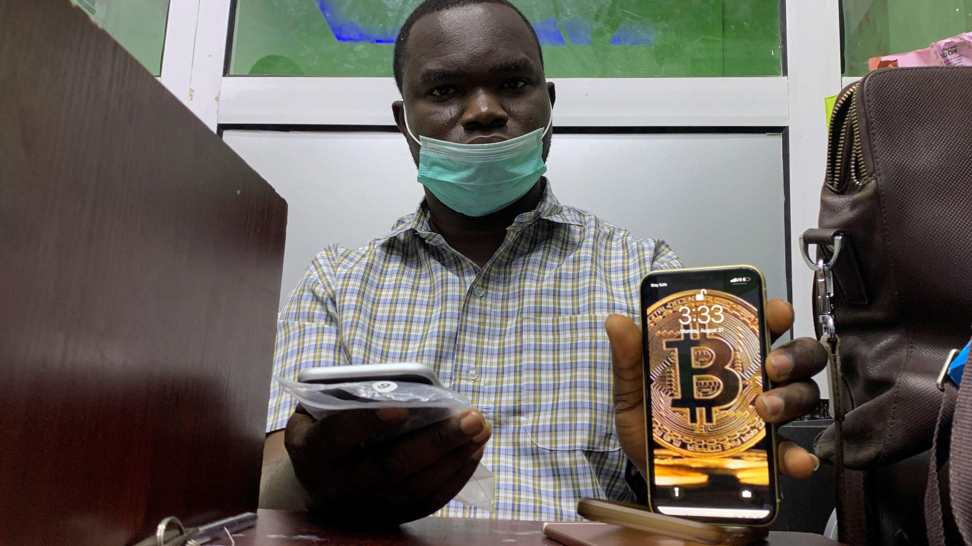 Bitcoin a atins în week-end un nou minim, sub pragul de de dolari