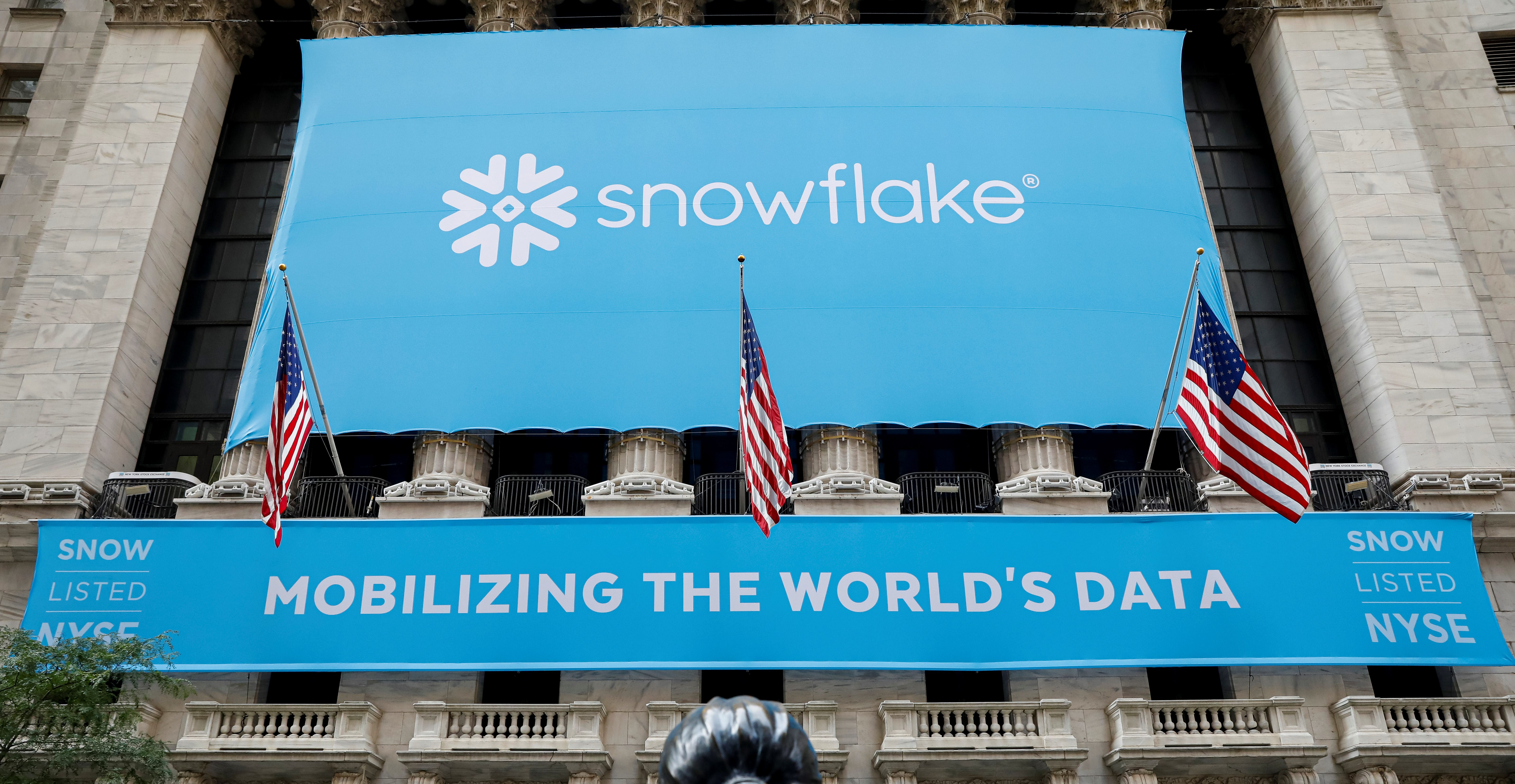 A banner for Snowflake Inc. is displayed celebrating the company's IPO