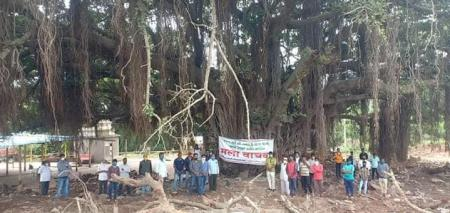 Villagers protesting to conserve the 400-year-old banyan tree at Bhose village.
