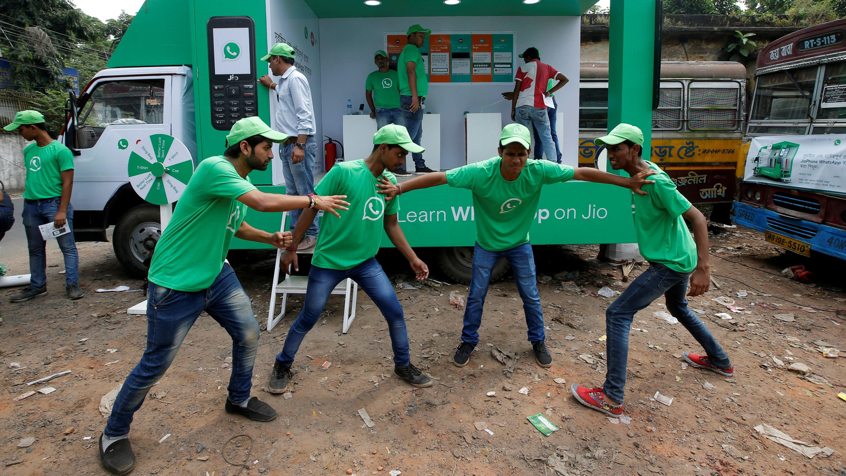 Will India's Signal fever make a dent in WhatsApp's 400 million user base?