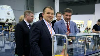 Mikhail Kokorich visits SpaceX headquarters in 2012.
