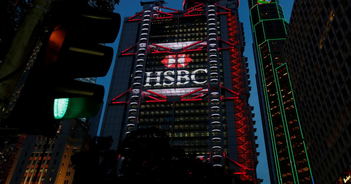 Grim US landmark, HSBC's choice, 4,000 big bangs thumbnail